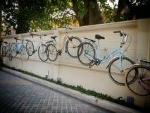自行车艺术墙壁 免版税库存图片