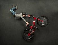 自行车跃迁 库存图片