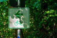 自行车路线标志 免版税图库摄影