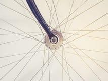 自行车车轮轮幅和链子细节 免版税库存图片