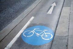 自行车车道标志,维也纳 免版税库存图片