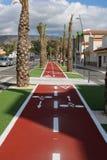 自行车轨道在城市 免版税库存图片