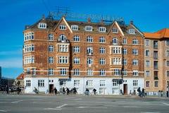 自行车通勤者在哥本哈根 免版税库存图片