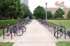 自行车锁定机架 库存图片