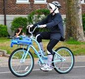 自行车骑士怪人 免版税图库摄影