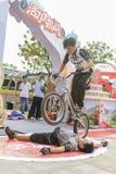 自行车骑马展示 免版税库存照片
