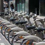 巴黎自行车 免版税库存图片
