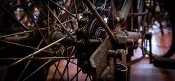 自行车chainrings特写镜头齿轮设置了 库存照片