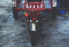 自行车tuk-tuk汽车在泰国 库存图片