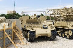 自走火炮步枪在纪念站点在装甲的军团博物馆附近在Latrun,以色列 库存照片