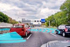 自驾驶的汽车的概念 免版税库存图片