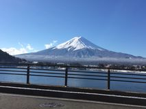 至善至美的富士山 免版税库存照片