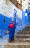 舍夫沙万的,摩洛哥一名妇女 免版税图库摄影