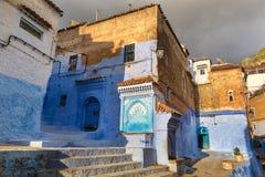 舍夫沙万美丽的蓝色麦地那在摩洛哥 库存照片