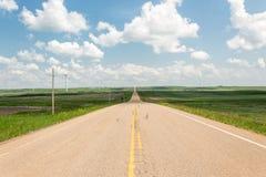 舒展对无限的大开高速公路 免版税库存照片
