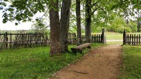 舒适休息在一个老开放公园在立陶宛 库存图片