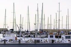 舒适小游艇船坞在伊拉克利翁的心脏 免版税图库摄影
