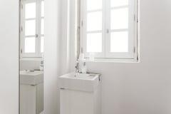 舒适的卫生间 库存照片