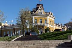舒门,保加利亚- 2017年4月10日:军事俱乐部大厦在市舒门 库存图片