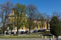 舒门,保加利亚- 2017年4月10日:军事俱乐部大厦在市舒门 免版税库存图片
