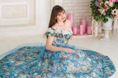 舞会礼服的女孩 库存图片