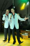 舞台上的演员双胞胎亚历山大和尤金Anufriev 免版税库存图片
