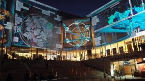 舞台中心学院masterclass投射在生动的悉尼,是每年灯节、音乐和想法在'广场' 股票录像