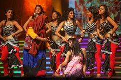 舞蹈印第安音乐显示 库存图片