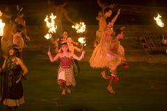 舞蹈夏威夷人 库存图片