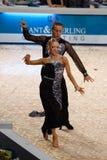 舞蹈夫妇: Armen Tsaturyan - Svetlana Gudyno 图库摄影