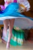 舞蹈家女孩的抽象行动 免版税库存图片