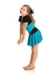 舞蹈家:俏丽的爵士乐舞蹈家为照相机微笑 库存图片