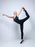 年轻舞蹈家 库存图片