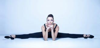 年轻舞蹈家 免版税图库摄影