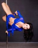 舞蹈杆妇女 库存照片