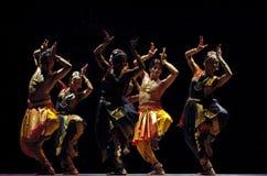 舞蹈民间印地安人 图库摄影