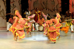 舞蹈民间性能妇女 免版税库存图片