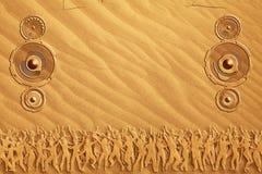 舞蹈沙子报告人 库存照片