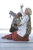 舞蹈演员合奏kulintang 库存照片
