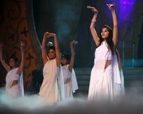 舞蹈演员女性印地安人 免版税图库摄影