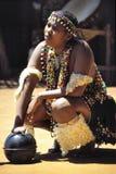 舞蹈演员妇女祖鲁族人 库存图片