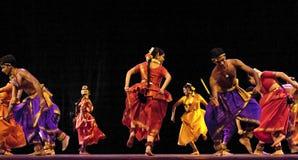 舞蹈演员民间印地安人 库存照片
