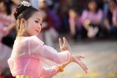 舞蹈演员泰国妇女 免版税库存照片