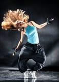 舞蹈现代妇女年轻人 免版税库存图片