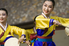 舞蹈种族韩文性能 免版税库存照片