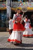 舞蹈种族naxi 免版税库存照片