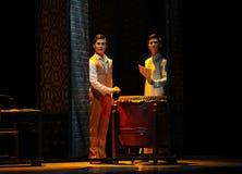 舞蹈过去的戏曲沙湾事件其次两个兄弟这行动  免版税库存图片