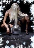 舞蹈黑暗glitterball 免版税库存图片