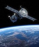 航天器联盟号轨道的地球。 库存照片