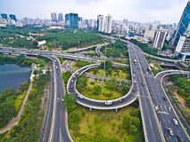 航拍城市高架桥桥梁路lan鸟眼睛视图  免版税图库摄影